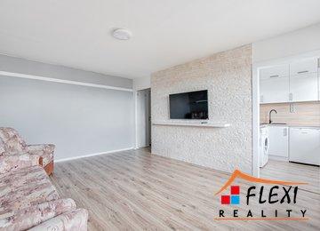 Pronájem moderně zrekonstruovaného družstevního bytu 1+1 s lodžií, 34m² - Karviná - Hranice, ul. Žižkova