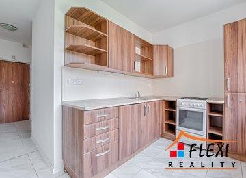 Pronájem zrekonstruovaného družstevního bytu 2+1, 54m² - Karviná - Ráj, ul. Školská