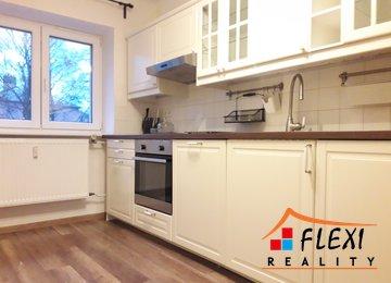Nabízíme pronájem zařízeného bytu porekonstrukci s balkonem a komorou 53m² - ul. Gerasimovova, Ostrava - Zábřeh