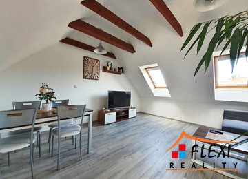 Pronájem podkrovního, částečně zařízeného bytu 3+kk, 65 m2, ul. Jaroslava Haška, Frýdek-Místek