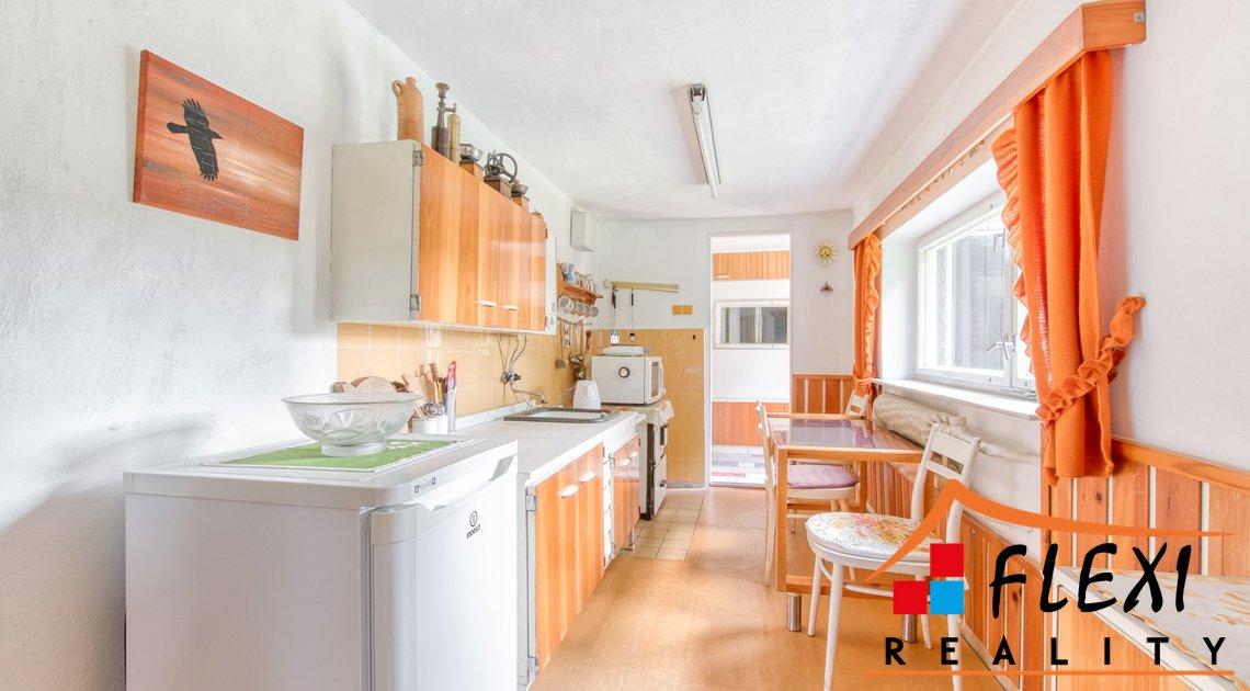 roman-mikita-realitni-makler-flexireality-hlucin-jasenky-prodej-chata