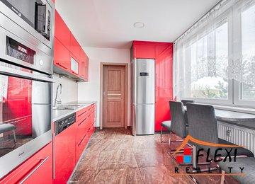 Pronájem částečně zařízeného bytu 3+1 s lodžií a komorou, 69,6 m², ul. I. J. Pešiny, Frýdek-Místek