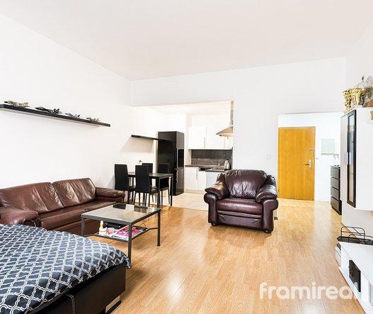 Pronájem bytu 1+kk, 46m² - Brno, ul. Příkop