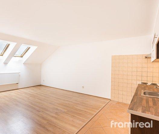 Pronájem bytu 2+kk, 61m² - Brno, ul. Starobrněnská
