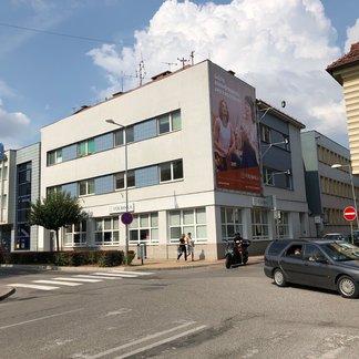 EXKLUZIVITA - Prenájom kancelárii v centre mesta Topolčany