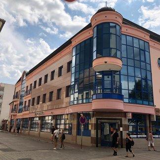 EXKLUZIVITA - Prenájom kancelárii v centre mesta Piešťany, Námestie Slobody