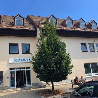 EXKLUZIVITA - Prenájom kancelárii v centre mesta Nová Baňa
