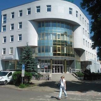 Prenájom kancelárii a obchodných priestorov v centre mesta Trebišov