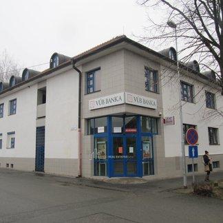 Prenájom kancelárii  a obchodných priestorov v centre mesta Moldava nad Bodvou
