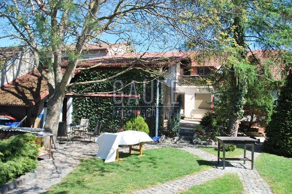 Prodej, Rodinné domy, 230m²