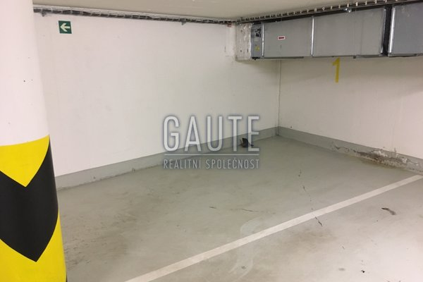 Prodej, Garážové stání, 15m²