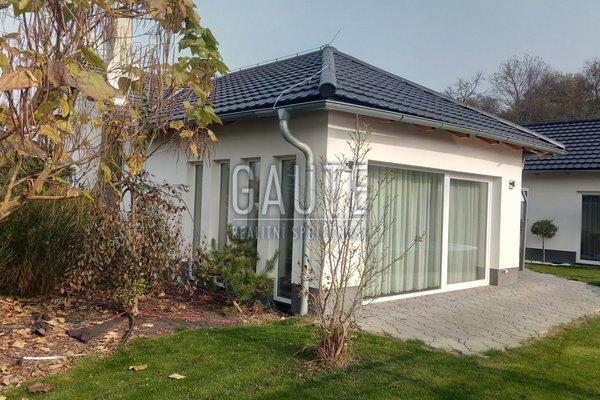 Prodej, Rodinné domy, 211m²