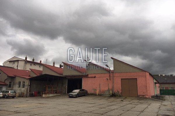 Prodej, Sklady, 2347m²