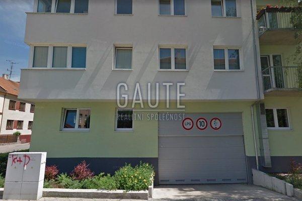 Prodej, Garážové stání, 31m²