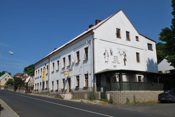 Prodej, Restaurace, 691m²