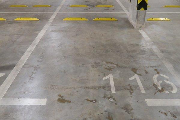 Pronájem, Garážové stání, 14m²