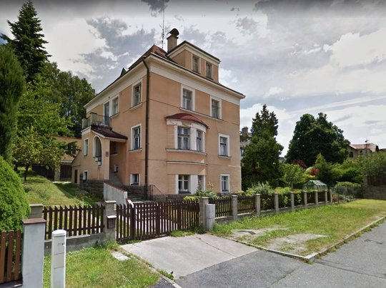 Vila se 3 byty a velkou zahradou, obec Jablonec nad Nisou