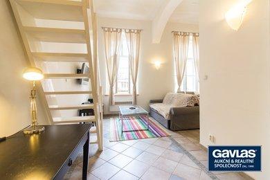 Zařízený byt 1+kk (36 m2) se spacím patrem na Královských Vinohradech, Ev.č.: 202203-a