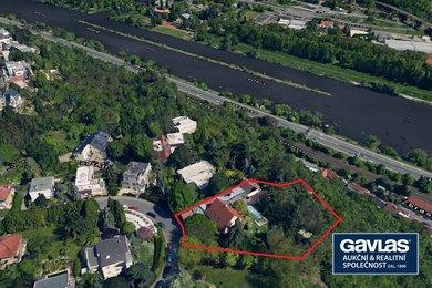 Unikátní pozemek 2558 m2 na vrcholku barrandovských skal s rodinným domem proslulého scénografa, Ev.č.: 254284-1