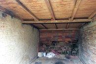 garaz uvnitr