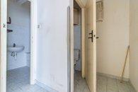 Pohled do koupelny a WC