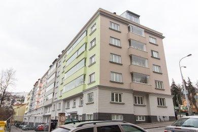 Byt 1 + kk (42 m²) se sklepní kójí, Praha 5 – Košíře, Plzeňská 951/125, Ev.č.: P5495102G
