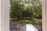 Pohled z okna do vnitrobloku