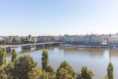 Byt 4 + 1 (145,2 m2) s nádherným výhledem, se 2 balkony, sklepní kójí, Praha 5 – Smíchov, Janáčkovo nábřeží 84/9, Ev.č.: P578419G
