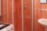 koupelna - sprcha a pračka