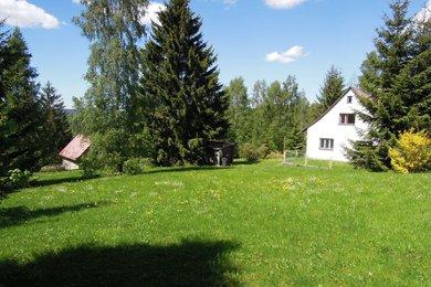 Nádherný pozemek 3.567 m2 pro bydlení a rekreaci s rodinným domem, Ev.č.: 254294