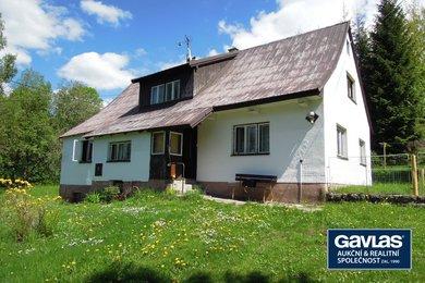 Rekreační rodinný dům se dvěma byty a pozemkem 3576 m2 s potenciálem další výstavby, Ev.č.: 254294a