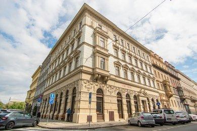Pronájem zrekonstruovaného 3+kk, 95m², Praha - Malá Strana, ul. Zborovská, Ev.č.: P5P2/124/09