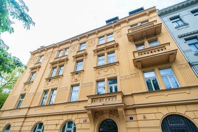 Pronájem zrekonstruovaného 3+1, 112 m², Praha 5 – Smíchov, ul. Na Skalce, Ev.č.: P5P2/1047/16