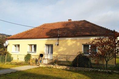 Prodej rodinného domu 5+1 se zahradou,  622m² Deštná, okres Blansko, Ev.č.: CSDD2119