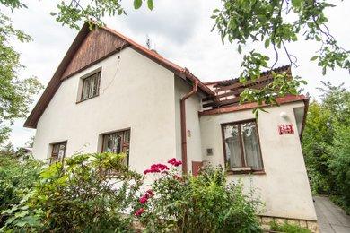 Rodinný dům (136 m²) se zahradou Praha – Újezd nad Lesy, Ev.č.: 20220a