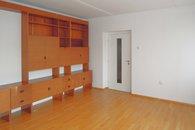 obývák - pohled ke dveřím