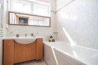 Koupelna ve 2. NP
