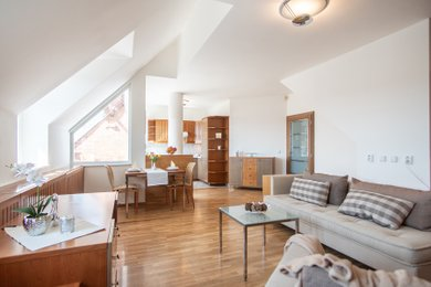 Mezonetový byt 3+kk (112 m2) se dvěma terasami a dvěma garážovými místy, Areál Hvězda, Praha 6 - Petřiny, Ev.č.: 202223