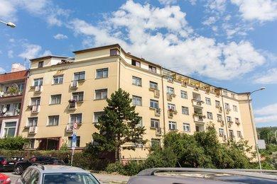 Byt 1+kk (33 m2) se sklepní kójí, Praha 5 – Košíře, Pod Školou 965/4, Ev.č.: P5896502G