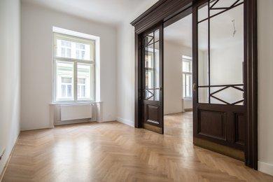 Pronájem velkého zrek. bytu 4+1 (142 m2) se dvěma koupelnami, balkonem, sklepem, 3 minuty od metra Anděl, Praha 5 – Smíchov, ul. Staropramenná, Ev.č.: P5P154710G