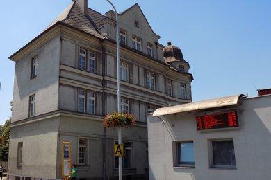 Prodej majoritního podílu komerční vily (460 m²) v centru města Třinec, ul. Frýdecká 410, Ev.č.: CS2001