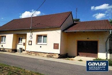 Prodej rodinného domu s pozemky 557m2, Břežany okres Znojmo, Ev.č.: CSDD2219