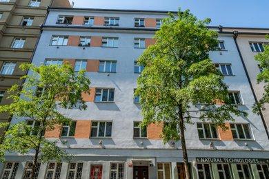 Nedokončená přestavba a rozšíření podkrovního bytu s terasou, Praha 3 – Žižkov, Baranova 1833/11, Ev.č.: P31183330a
