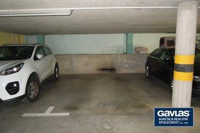 Pronájem 2 garážových stání,  Praha - Karlín, ul. Křižíkova, Ev.č.: 223395