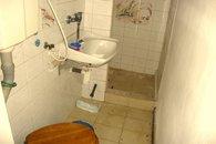 11 koupelna s WC