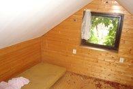 13 pokoj podkroví