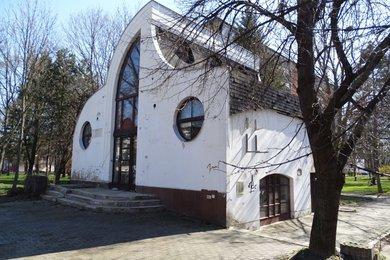 1. Komerční objekt, ul. Olomoucká, Opava