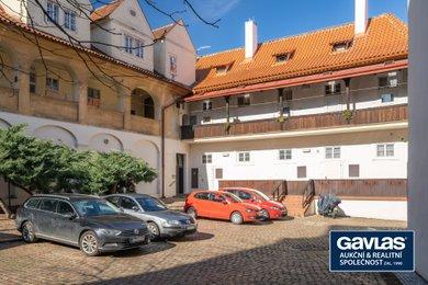Byt 2+kk (56 m2) s vlastním parkováním na nádvoří u Kampy, Praha 1 - Malá Strana, Ev.č.: 202227