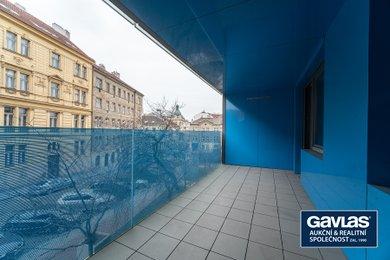 Pronájem zrekonstruovaného 2+1, 41 m², s lodžií 12 m² a sklepem 3 m², Praha – Žižkov, Lupáčova., Ev.č.: P3V386403