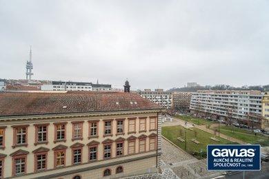 Pronájem zrekonstruovaného 1+kk s výhledy,  36 m², lodžie, sklep,  Praha - Žižkov, ul. Blahoslavova 2, Ev.č.: P3V522714